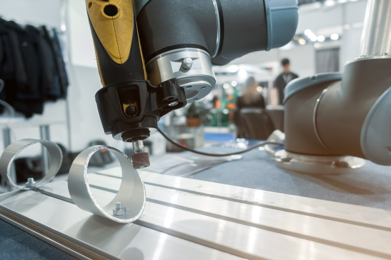 Schleifprozess mit Schleifmittel für Rundschleifen automatisierter Prozess